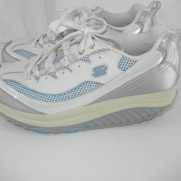 145e94d69cdd Skechers Shape Ups Women Strength Fitness Walking.  M 5b1316700cb5aae49fa66888